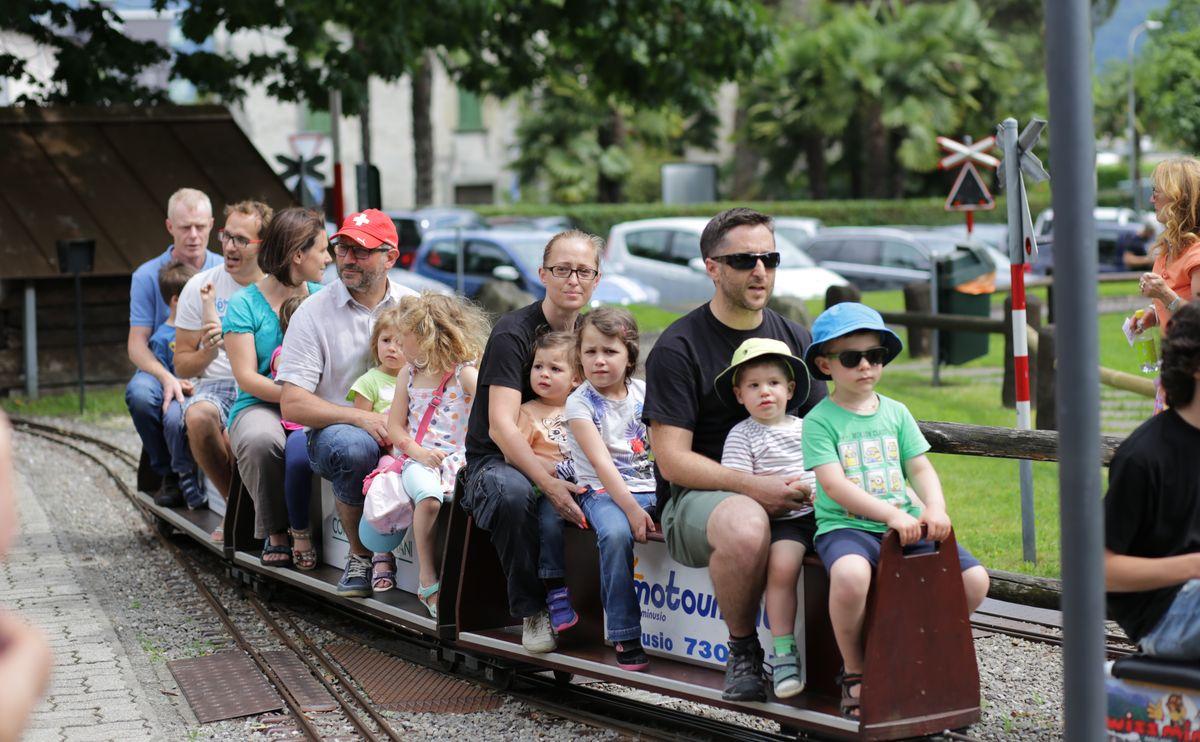 Minizug fahren in Tenero
